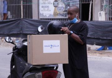 Photo colis humanitaires distribués pendant la Covid